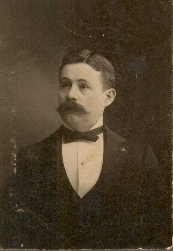 Robert Thornton Dennis