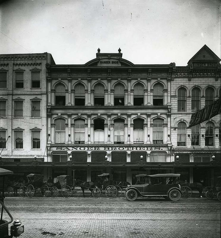 Store Exterior (1912)
